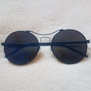 Accessories - Blue tint & Frame Round Shades